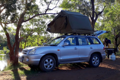 where can stay in the car with a roof tent