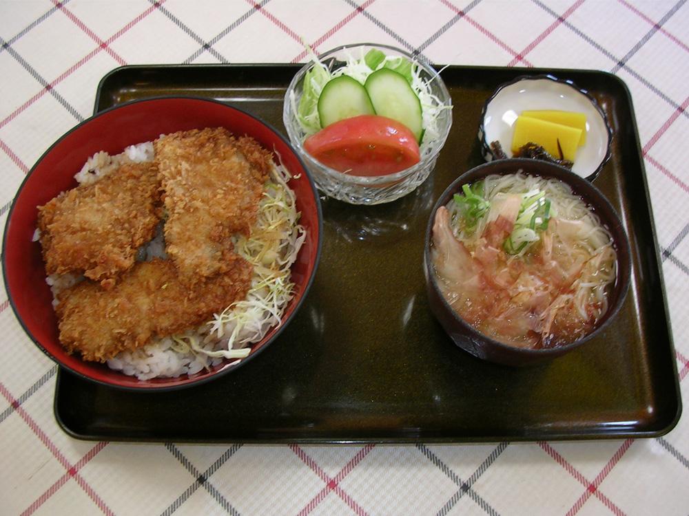 かつ丼めん/¥950