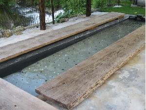 湯底には『備長炭』と『足つぼ石』が敷きつめてあります。