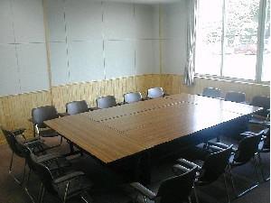 座り心地の良い椅子で会議しませんか?