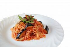 ランチ パスタ トマトと茄子のパスタ IMG_9086 透明.png