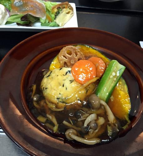 豆腐ハンバーグ 夏野菜ソース.jpg