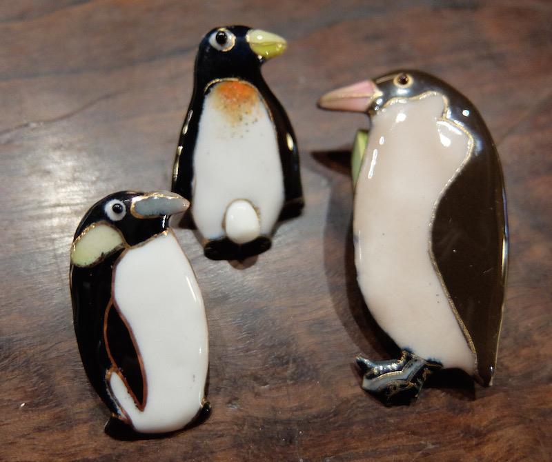 ペンギンのピンブローチ