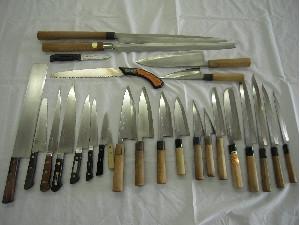 料理人の道具、普段使う包丁の一部です。
