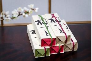 当店自慢の栗羊羹「そまづと」      価格  1,080円(税込)