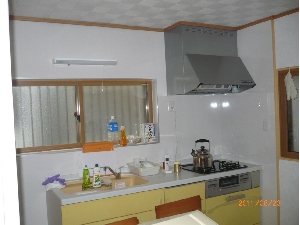キッチン取替壁面改修