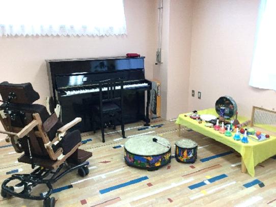 即興音楽を中心とした音楽療法イメージ