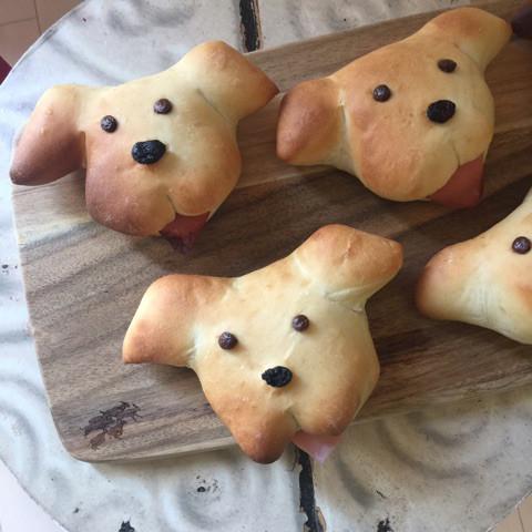 ハムサラダのドッグパン