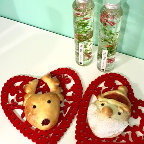サンタさんのジャムパンとトナカイのチョコパン