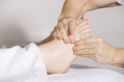physiotherapy-2133286_640.jpg