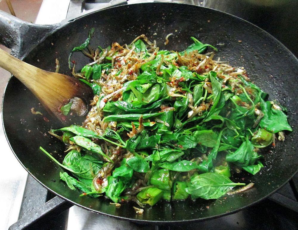 焼肉・韓国料理の店「鳳」おおどり - 葉唐辛子とジャコのポッカ