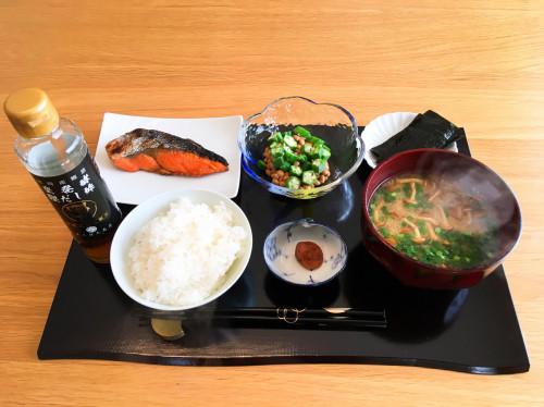 1年熟成甕酢・黒酢『みそ汁、鮭』2.jpg