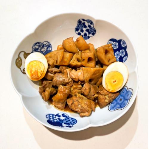 黒酢レシピ『ジューシー鶏肉とさくさくレンコンの煮物』2.jpg