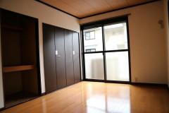 南側洋室 (2).JPG
