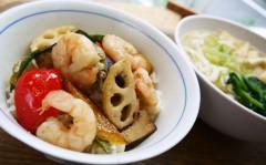 ●海老と彩り野菜のグリーンカレーDON&うどん.jpg