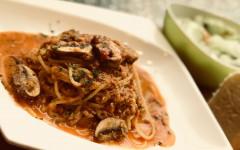 牛挽き肉とマッシュルームのミートソーススパゲティ.jpg