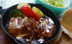 豚バラ肉の味噌デミ風味のポークシチュー.jpg