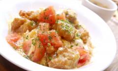 ●鶏唐揚げとトマトのとろとろ卵あんかけDON.JPG