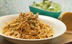 ●レンコンと鶏挽き肉の胡麻醤油風味スパゲティ.jpg