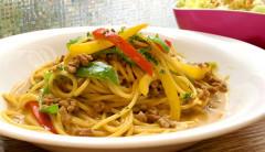●牛挽き肉と彩り野菜のカレークリームスパゲティ.jpg