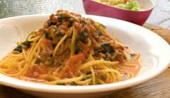 ●牛挽き肉とほうれん草のトマトチーズスパゲティ.jpg