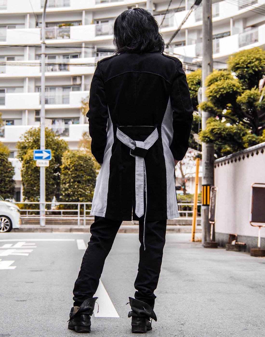 バイカラーグレーチェスターコートとストレッチシャツ7.jpg