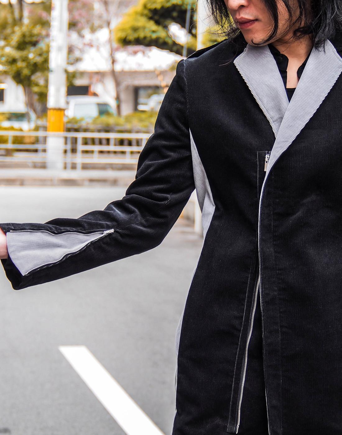 バイカラーグレーチェスターコートとストレッチシャツ5.jpg