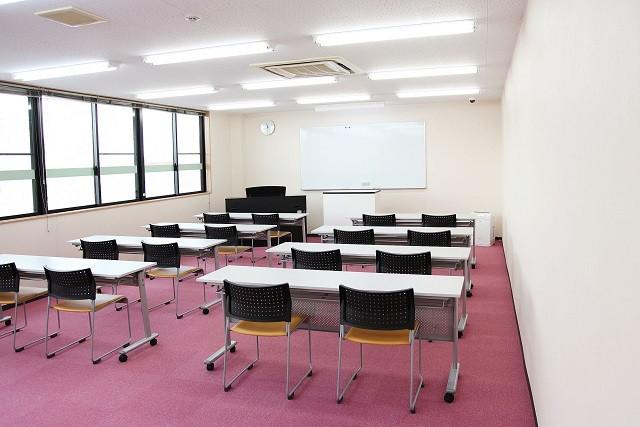 東京の医学部予備校「メディカ(medika)」では個別指導・少人数制指導を行っております