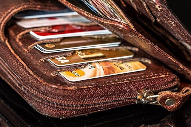 """革財布(メンズ)は""""イタリア""""ブランド風がかっこいい!モテる男は高品質の「本格」革製品を持つ"""