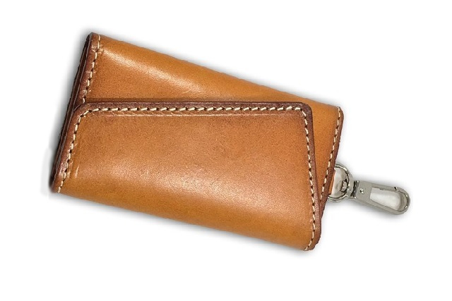 イタリアの本格長財布のような『かっこいい』アイテムを持とう!