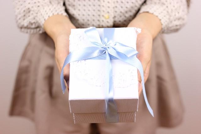 大人の男性へのギフト・プレゼントにはレザーアイテムがオススメ