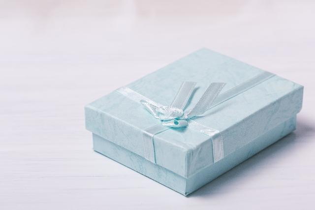 イタリアンレザー長財布のようなかっこいい『アイテム』をプレゼントに選ぶなら