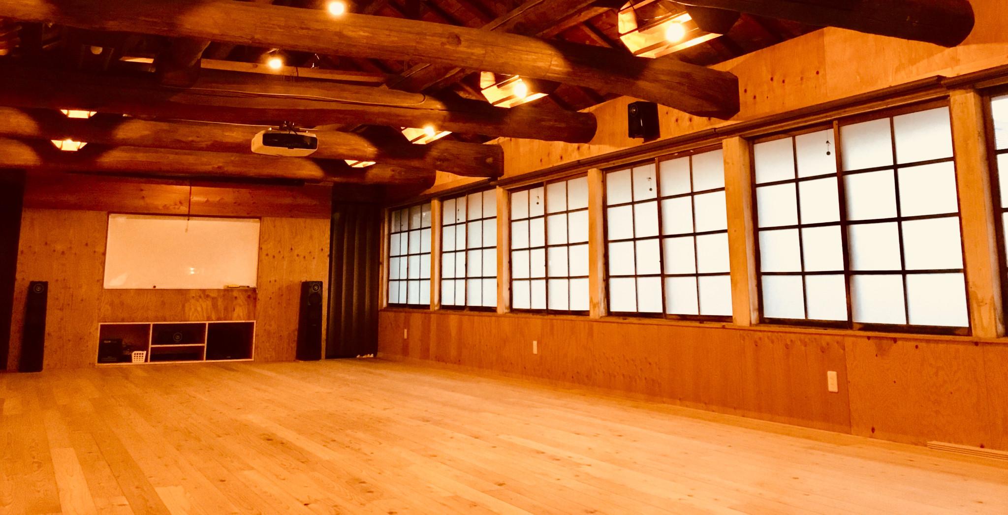 a8 Yoga studio & Aroma schoolの画像
