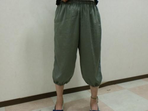 裾パンツ1.JPG