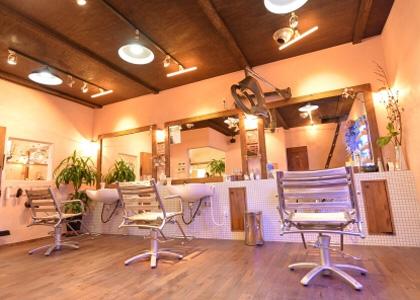 奈良市の美容室 | カラーが人気の美容室 | VOW 店舗内イメージ