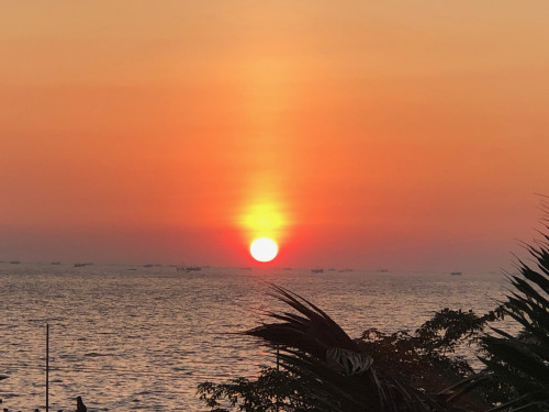 マニラ湾夕陽.JPG
