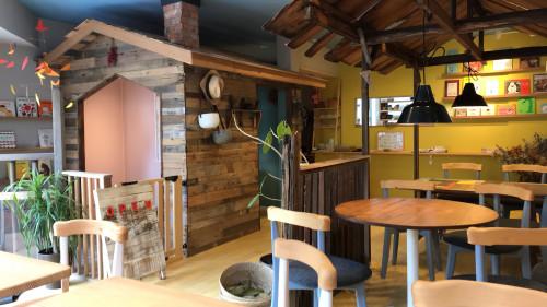 カフェの写真.jpg