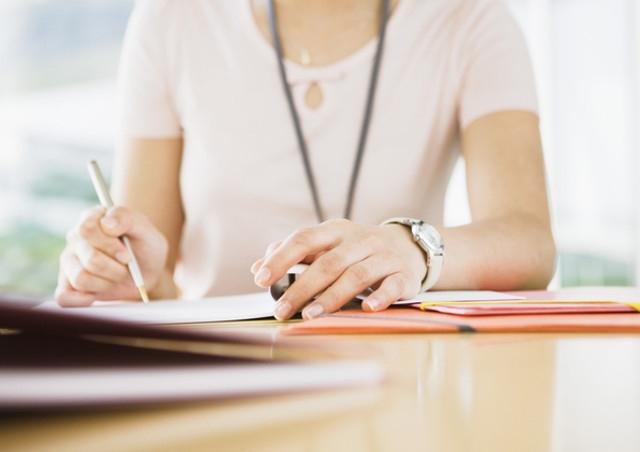 フラクタルのセミナーと個人セッションはカウンセラーの資格を持つ講師が行う【rapport】