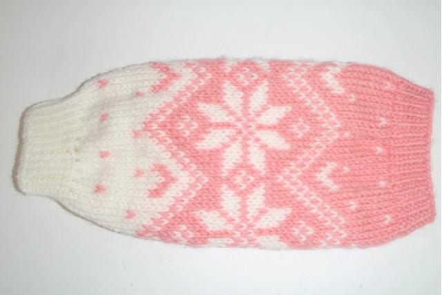 犬服(セーター)をお探しなら「かわいい」手編みの商品を扱う【きなこのしっぽ】