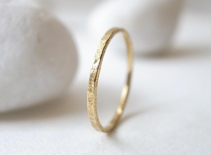 華奢なリングはプチプラに見えない【niruc】の上品なリングを