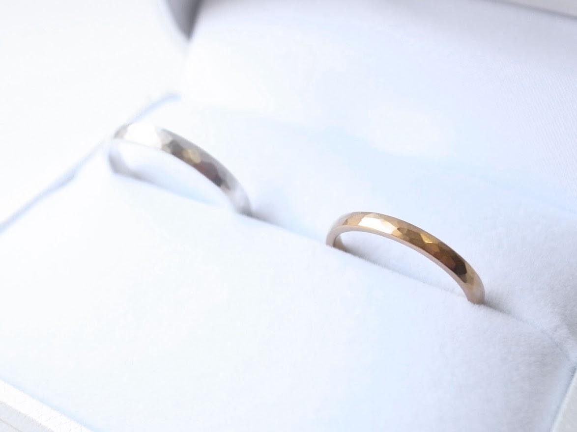 槌目のリングを販売する【niruc】では模様の良さが光るシンプルなジュエリーを多数ご用意