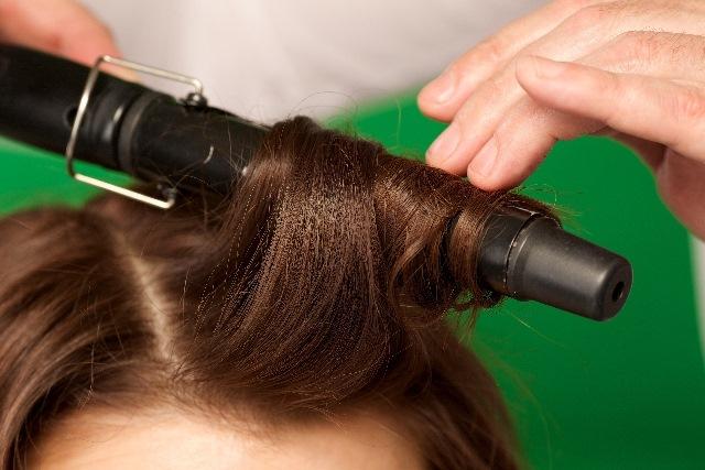 ヘアアイロンは正しく使おう!髪が痛まないよう熱ダメージから髪を守るポイント