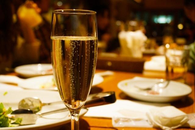 結婚式や立食パーティーのケータリングはフィンガーフードがおすすめ