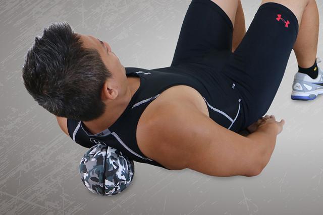 ミニサイズのバランスボールを使って腹筋を鍛えよう
