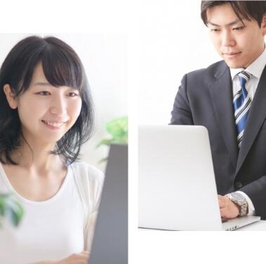 パソコンに向かう男性と女性