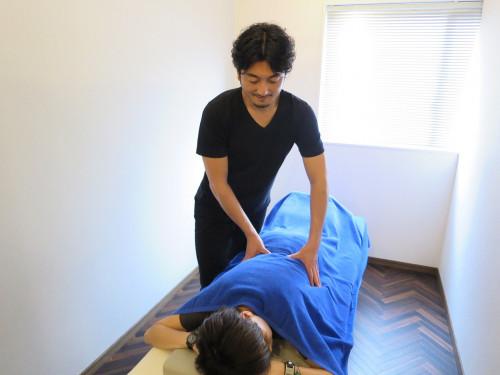 肩こりに鍼灸と整体.JPG