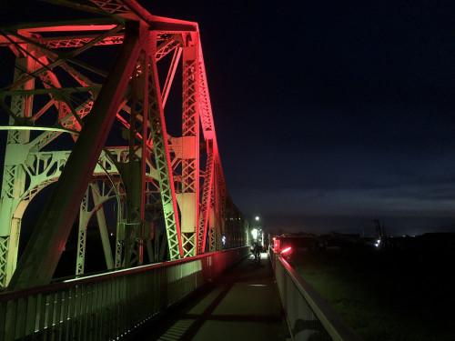 赤色ライトアップ3.jpg