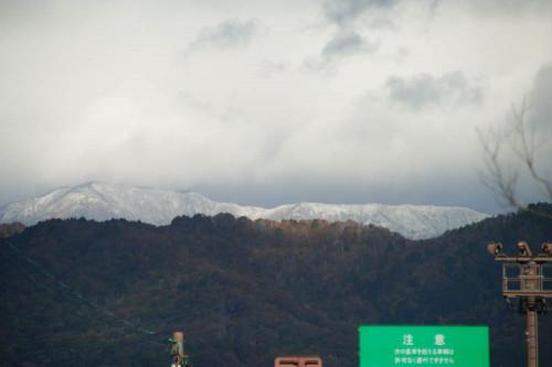 手前の雪.jpg