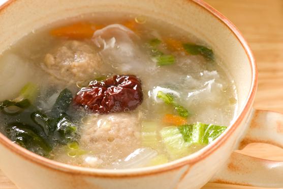 なつめ入り中華スープ