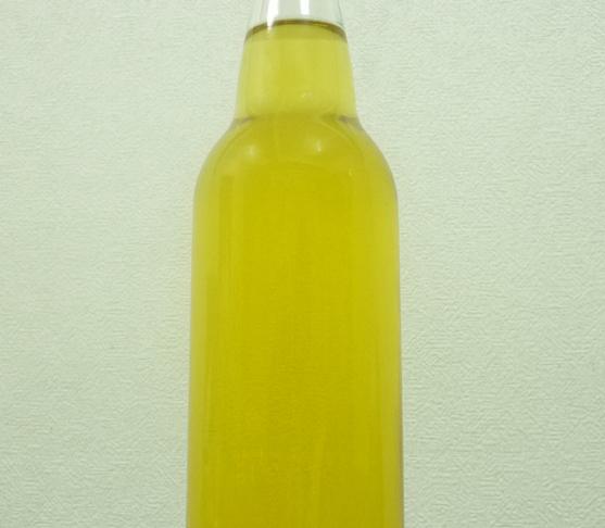 玉締め一番絞り ごま油 ビン